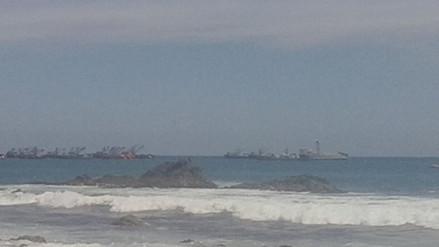Camaná: embarcación artesanal naufraga por oleajes anómalos
