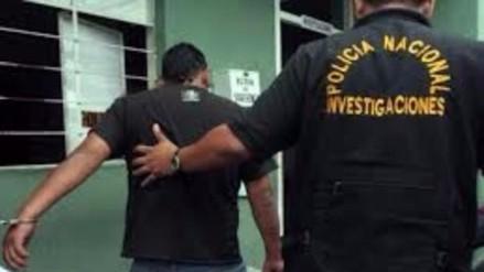 Trujillo: caen dos policías que asaltaron y robaron auto taxi