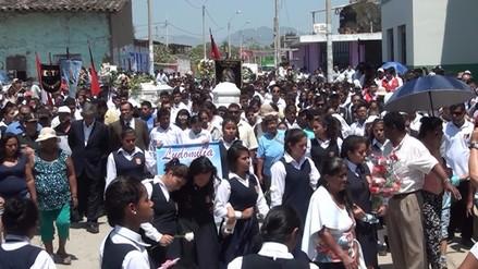 Multitudinario adiós a escolares fallecidos en accidente en Morropón