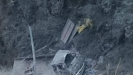 Tarma: camión cargado de cemento cae a precipicio y conductor desaparece