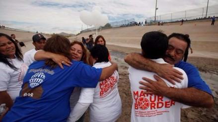 'Abrazos, no muros': emotivo encuentro de inmigrantes mexicanos con sus familiares