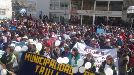 Mujeres de La Oroya marcharon a favor de campaña