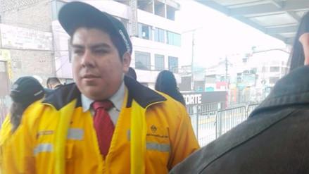 Video: orientador del Metropolitano es acusado de acosar a pasajeras