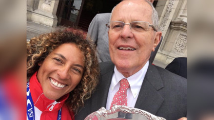 Facebook: Analí Gómez y su divertido selfie con PPK