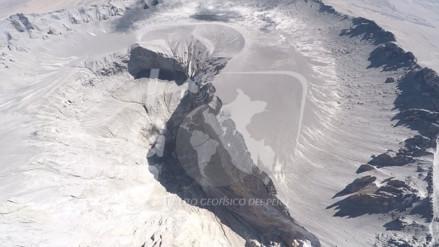 Por primera vez un dron sobrevuela cráter del volcán Ubinas