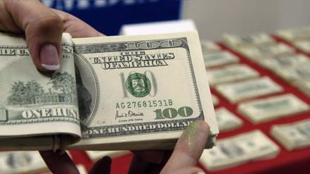 Precio de dólar cerró al alza y llega a S/ 3.322