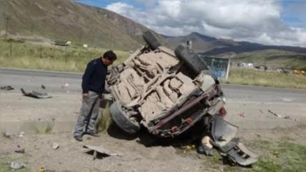 Despiste de combi dejó 1 muerto y 13 heridos en vía Huancavelica- Huancayo