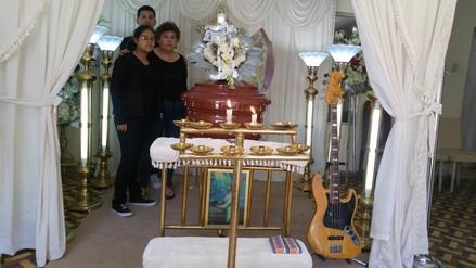 """Chimbote: rinden último adiós a integrante de los"""" Pasteles verdes"""""""
