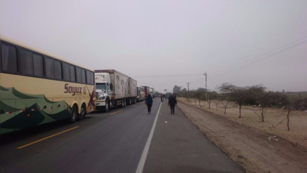 Ica: pobladores bloquean vía por falta de agua