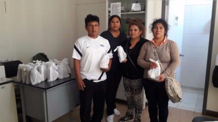 Reparten desayunos a familiares de pacientes que pernoctan en hospital regional