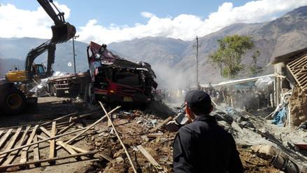 Abancay: cinco muertos dejó la caída de un tráiler sobre una vivienda