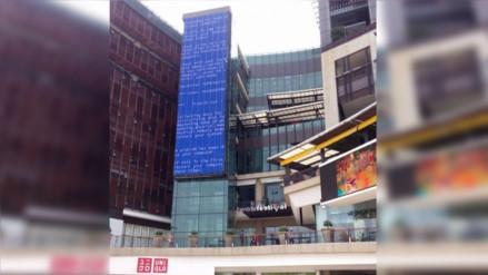 Facebook: la 'pantalla azul de la muerte' aparece en un edifico de Tailandia