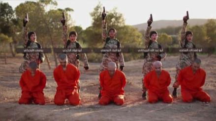 Niños soldados de ISIS ejecutan a cinco kurdos