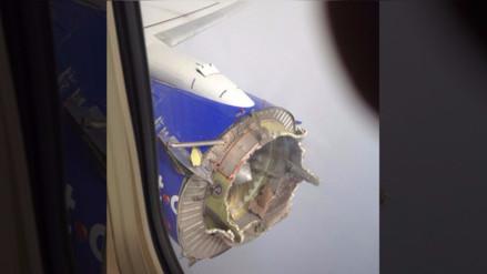 Boeing pierde parte del motor tras explosión en pleno vuelo