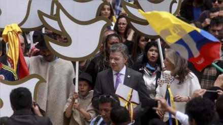 Presidente de Colombia firmó alto el fuego definitivo con las FARC