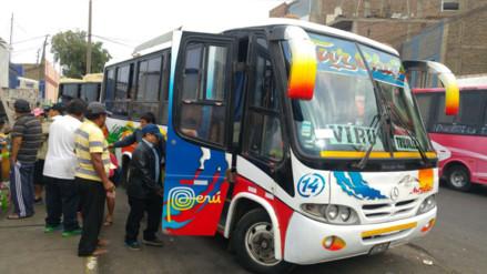 Trujillo: buses con dirección a Virú y Ascope recogen pasajeros en la calle