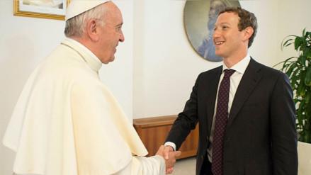 El papa y Mark Zuckerberg se reunieron para hablar de cómo combatir la pobreza