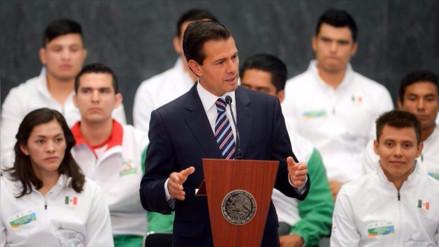 Universidad mexicana admite que presidente Peña Nieto plagió su tesis