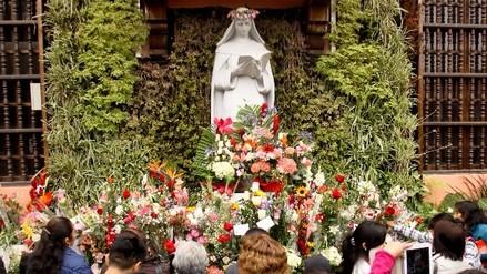 Tráfico: Santa Rosa se dirige a la Catedral de Lima