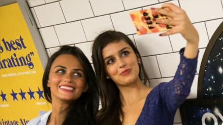 Los selfis aumentan contagio de piojos entre escolares en Holanda