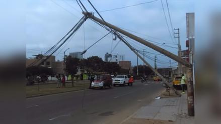Trujillo: grúa municipal derriba postes cuando recogía desmonte