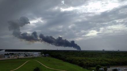 Video: explota cohete de SpaceX durante prueba en Florida