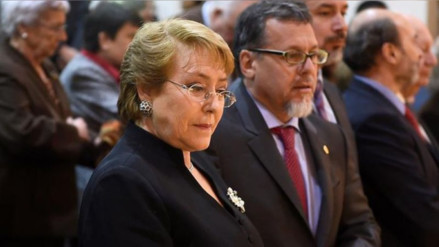 Diputados chilenos piden a Bachelet frenar la venta del pisco peruano
