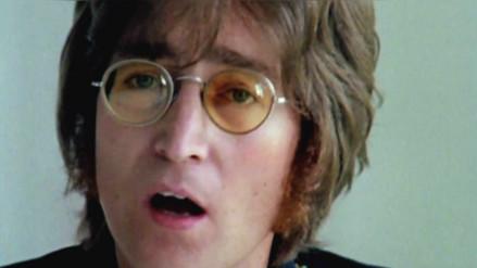 Subastan auto que John Lennon usó en