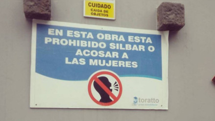 Facebook: con este letrero una empresa constructora busca evitar el acoso sexual