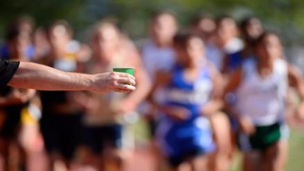 Atletismo: ¿Cómo hidratarme correctamente para correr una maratón?