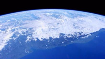 Un extraño fenómeno en la estratósfera preocupa a los científicos