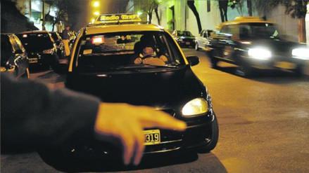Twitter: pasajero recibió una lección por rechazar un taxi conducido por una mujer