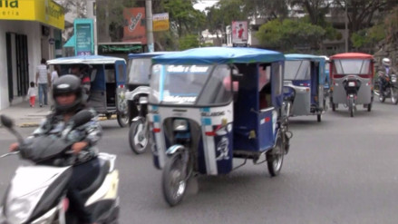 Mototaxis informales generan caos en ciudad de Piura