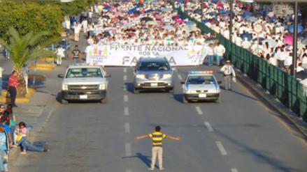 Facebook: un niño intentó impedir una marcha contra el matrimonio igualitario