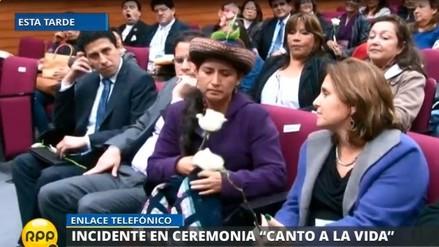 Congresista Pariona fue abucheada en ceremonia de homenaje a victimas del terrorismo