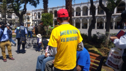 Recolectan firmas para revocar al alcalde provincial de Arequipa