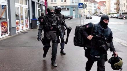 Alemania: detienen a tres refugiados sirios vinculados a ISIS