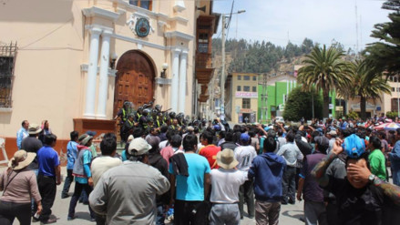Tarma: cientos de mototaxistas protestan por incremento de unidades