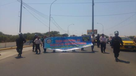 Docentes de Universidad Nacional de Piura acatan paro de 48 horas
