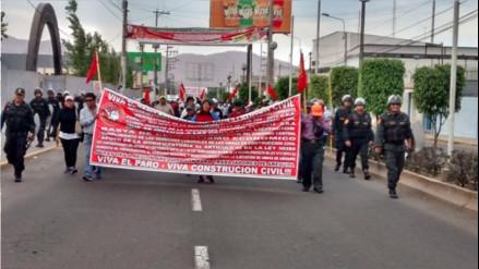 Construcción Civil realizó plantón en obras de la Variante de Uchumayo