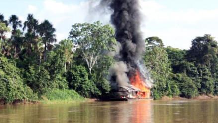 Destruyen dragas de mineras ilegales en el río Santiago