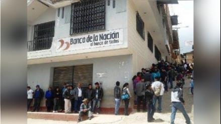 Pataz: malestar por largas filas en Banco de la Nación de Tayabamba