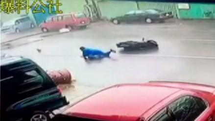 YouTube: usar casco lo salvó de convertirse en una víctima del tifón Meranti