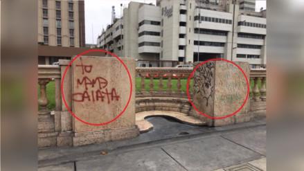 Pintas en los muros de Paseo de los Héroes en el Centro de Lima