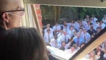 Facebook: muere de cáncer el profesor al que sus alumnos le dedicaron un concierto