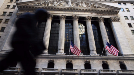 Fed dividida y más incertidumbre sobre alza de tasas en EE.UU.