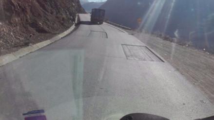 Obras sin culminar ponen en riesgo a conductores en la Carretera Central
