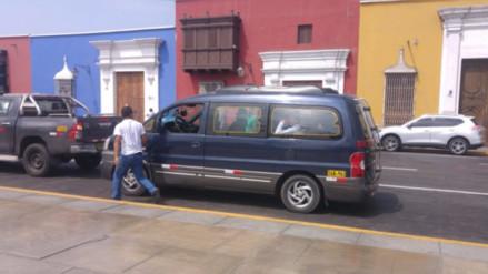 Trujillo: choferes usan plaza de armas como paradero
