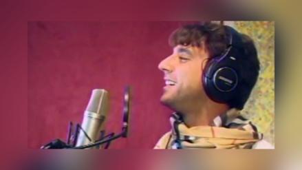 Antonio Pavón prueba suerte como cantante