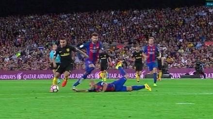 Javier Mascherano quedó mal parado en el gol de Ángel Correa